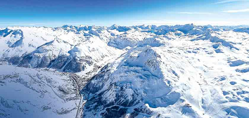 France_Espace-Killy-Ski-Area_Val-dIsère_Mountain-view.jpg
